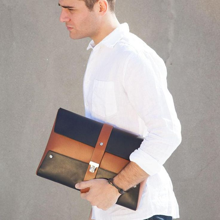 Large_bonastre-ss13-document-holder_male