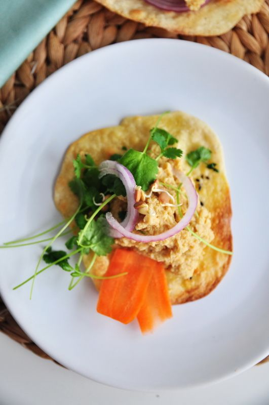 Hummus i placki naan