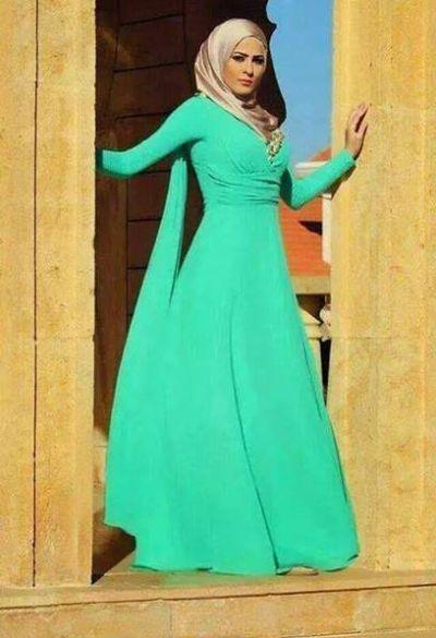 I love the waist of this dress/Abya.