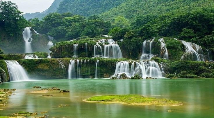 Top Vietnam Sightseeing Attractions -  Peaceful Ba Be National Park is completely stunning with the three interlinked Ba Be Lakes at its heart and soul.