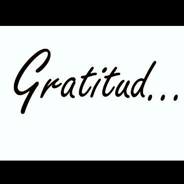 Apenas un recordatorio de que la gratitud puede cambiar la vida ¿Ya agradeciste hoy? Estudios demuestran que la gratitud puede beneficiar su salud en formas inesperadas, aportando más optimismo, reduciendo el estrés e incluso mejorando su relación de pareja (...) Justo hoy, considere sumergirse con mayor profundidad en su práctica de la gratitud y sentirás con el tiempo los beneficios de esta en tu vida.  Lea la nota completa en está dirección:  https://goo.gl/h3V3aS #Colombia #blogs #Coach
