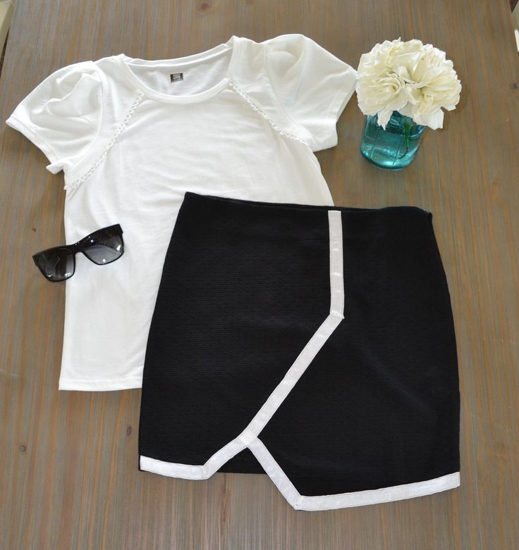 The Puff Tee in White and the Outline mini make the perfect weekend outfit. Shop both items at Vanilla May Boutique www.vanillamayboutique.co.nz   Free shipping in NZ and $15 flat rate to AUS
