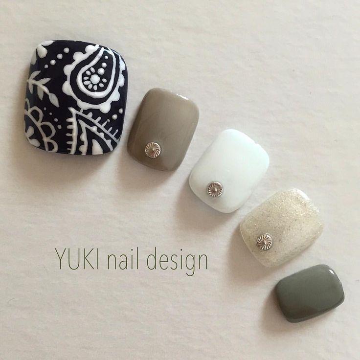 #paintthosetoes #toenails #yukinaildesign