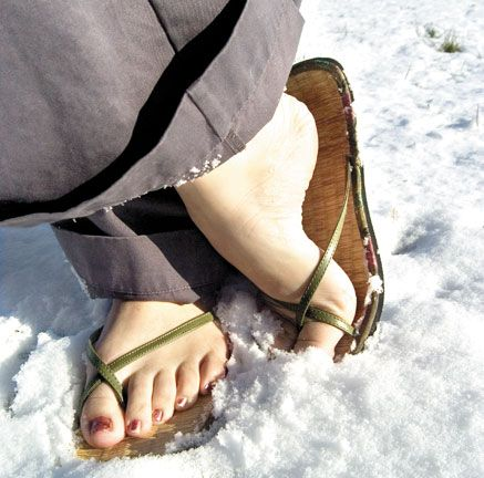 Barefoot And Grounded Com Don T Get Cold Feet About Bare