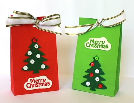 Baking cookies or other treats to give away this holiday season? Grab some of Shamrock Craft's paper bags to decorate and use them for treat bags.