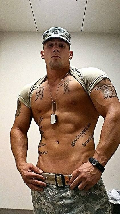 Beefy Studs In Tats Making Out In Group