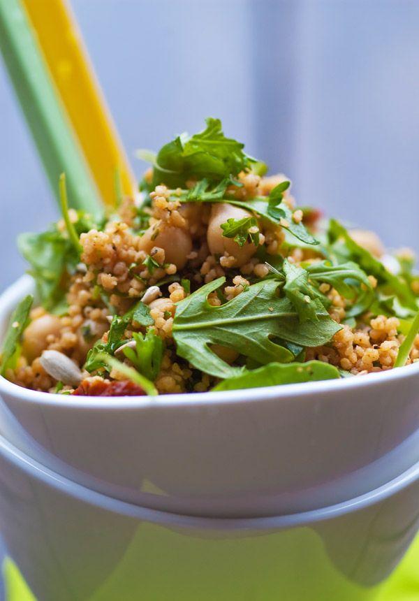 Schnell, schmackhaft und unkompliziert! Diesen Salat mache ich schon seit Jahren regelmässig und da er immer wieder als Mitbringsel für Grillparties und Buffets gewünscht wird, nehme ich an, dass e...
