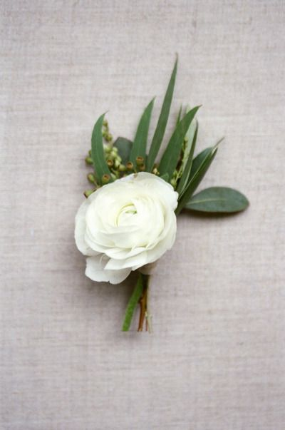 Boutonniere: http://www.stylemepretty.com/little-black-book-blog/2015/04/02/organic-elegant-wedding-inspiration/ | Photography: Almond Leaf - http://almondleafstudios.com/