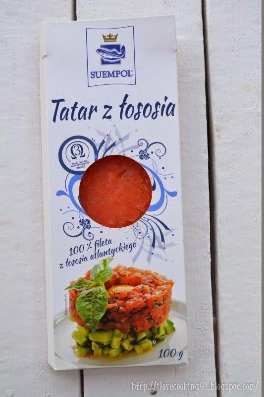 #Tatar z łososia atlantyckiego przygotowujemy z najlepszej, najbardziej delikatnej, starannie wyselekcjonowanej części fileta. Powstaje z łososia atlantyckiego żyjącego w krystalicznie czystych wodach Norwegii.   W ofercie posiadamy Tatar z łososia 100 g, której wartość odżywcza wynosi 835kJ czyli 200 kcal. Rekomendowana wielkość porcji to 50g. Więcej informacji: tatar.suempol.pl.  #salmon #łosoś #Suempol