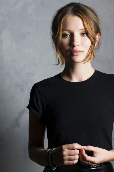 Emily Browning - I always thought she was so pretty...