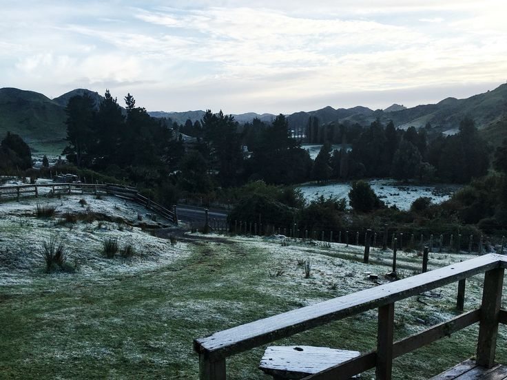 Frosty morning in the valley  #fireon 🔥  #ice ❄️ #chilly #seasons #balance #meanttowarmup ☀️