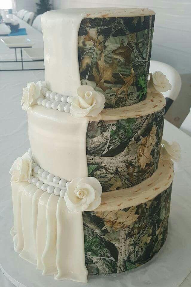 I want this for my wedding #halfcamo #love #weddingcake