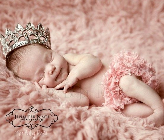 My baby girl absolutely must have a newborn picture with a crown like this. She WILL be a princess haha