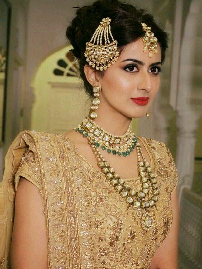 indian wedding hairstyle gallery%0A Indian bride jhumar with beautiful detailing