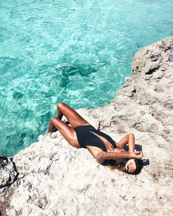 R e l a x ✨ @oscarminyo  #beach