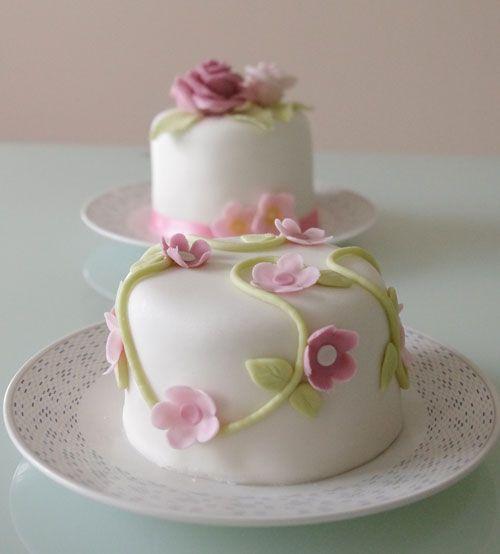 Mini Cakes de chocolate y buttercream de frambuesa.