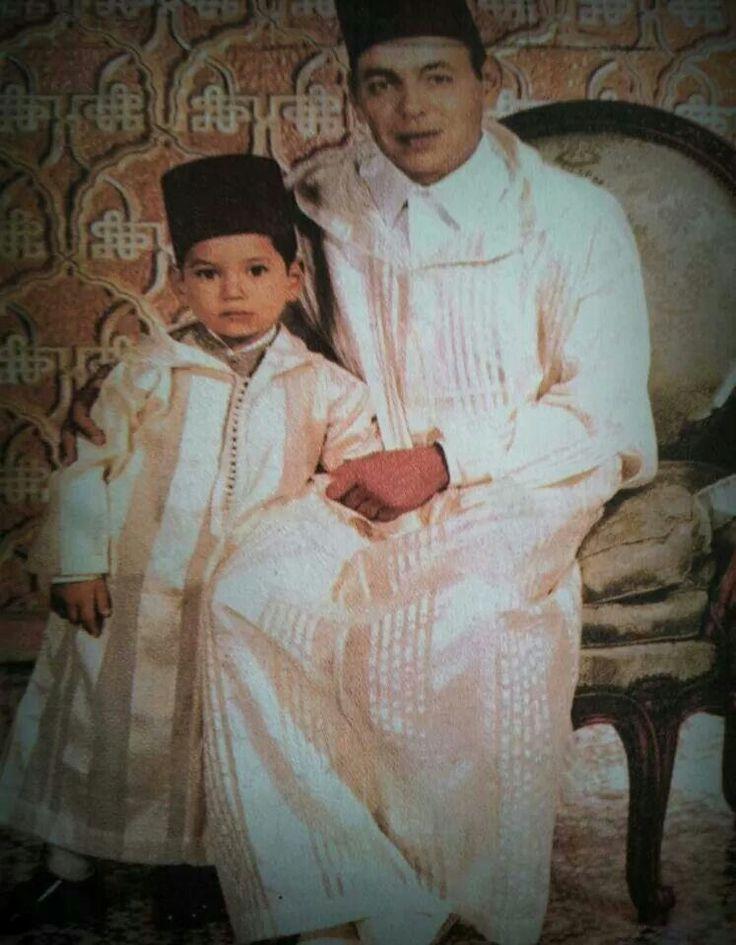 Feu SM Le roi Hassan2  avec son fils SM Le Roi Mohamed6