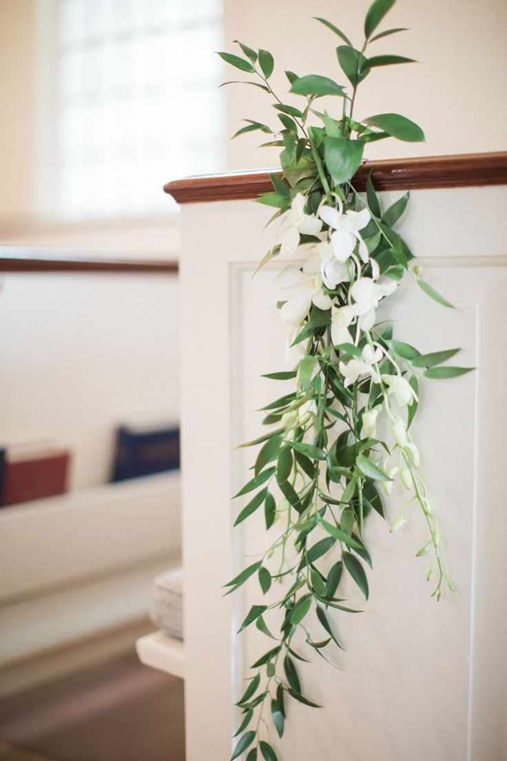 Photography: Hunter Ryan Photo - hunterryanphoto.com Floral Design: 50 Fifty Creative Services - 50FiftyCreative.com Ceremony Venue: Trinity By The Cove Episcopal Church - www.trinitybythecove.com/ Read More on SMP: http://www.stylemepretty.com/2016/03/23/this-oscar-de-la-renta-gown-set-the-scene-for-a-classic-seaside-wedding/