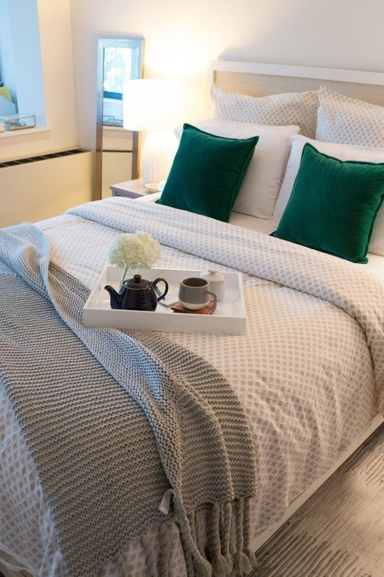 Jessica's Downtown Boston Apartment — House Call - Top 25+ Best Green Bedding Ideas On Pinterest Home Interiors