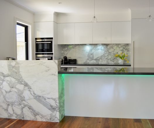 'Arabescato' Marble Splashback & Feature Panel