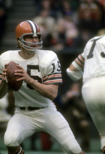 Mike Phipps of the Cleveland Browns