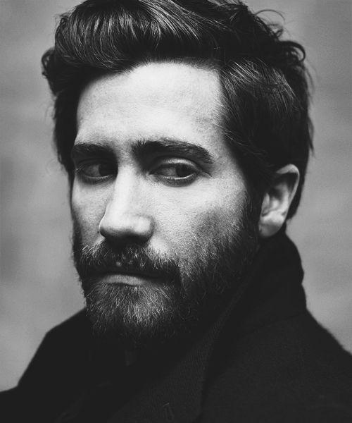 jake gyllenhaal. No me encanta con la barba taaan tupida. Pero es Jake.