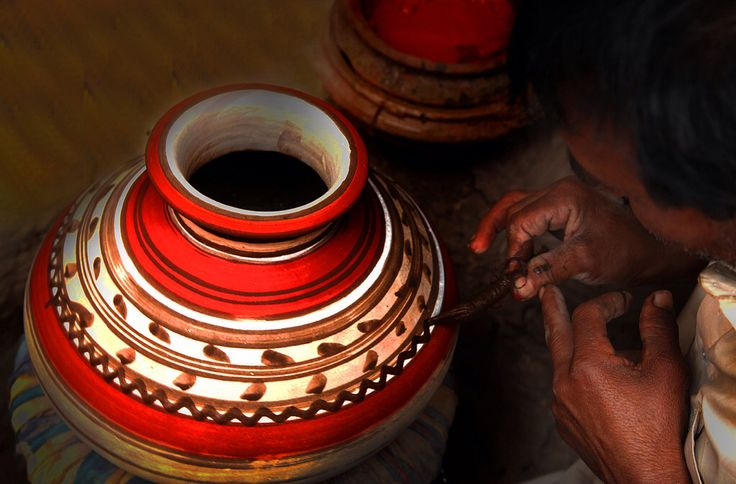 Painting the water pots (Ghara). | MADE in PAKISTAN ...
