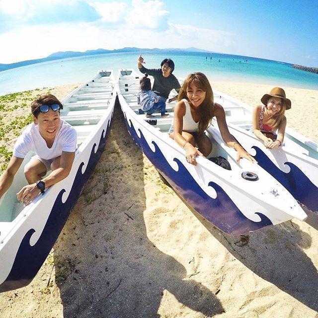 【chi_ipoyo】さんのInstagramをピンしています。 《みんな大好き💚💜💕 #沖縄#沖縄旅行#南国#おきなわ#beach#beachgirl #朝マック#のんびり朝ごはん#海#sea#沖縄移住したい#船#カメラ#写真#青空#大好き#次はいつ行けるかな#どこでもドア欲しい#毎日海行きたい#眠い#寝よう#おやすみなさい》