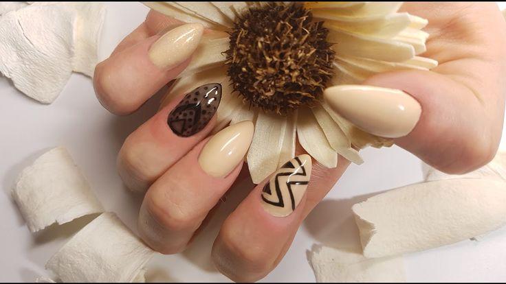 Sheer Black Nails | Rajstopka na paznokciach