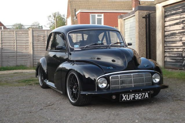 """1948 Morris Minor...I think this """"Low light"""" front looks better than the headlamps in wing model"""