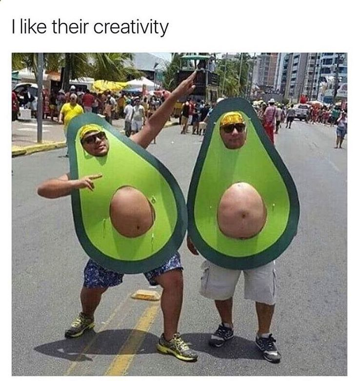 ☠ ☆‿⁀☆ ℌᎯ℘℘ƴ ℌᎯℓℓoᏇᙓᙓŋ! ☆‿⁀☆ ☠ ~ Creative avocados! THEY SHOULD COME TO THE AVOCADO FESTIVAL IN CARPINTERIA, CA. THEYD FIT RIGHT IN!