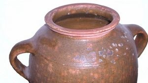 How to Identify Authentic Antique Crocks