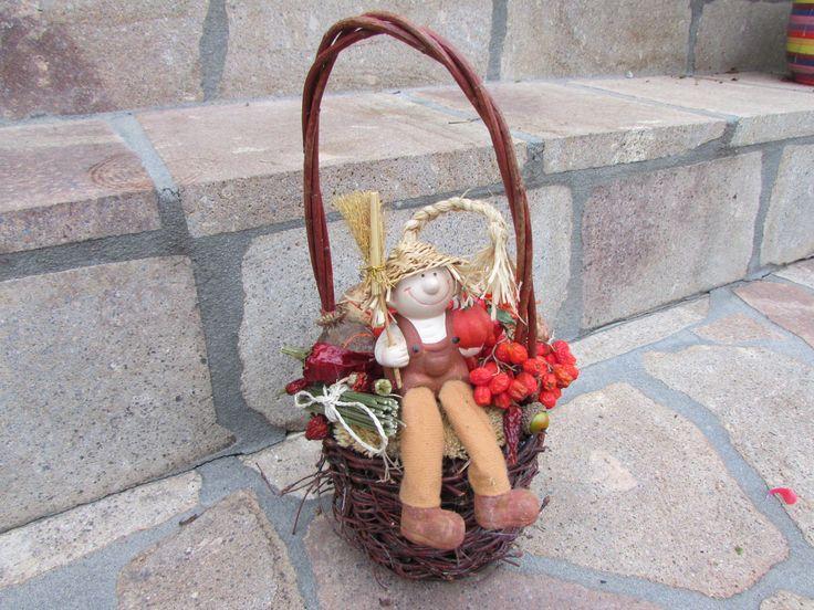 podzimní+košík+košíček+z+podzimního+přírodního+materiálu+s+panáčkem
