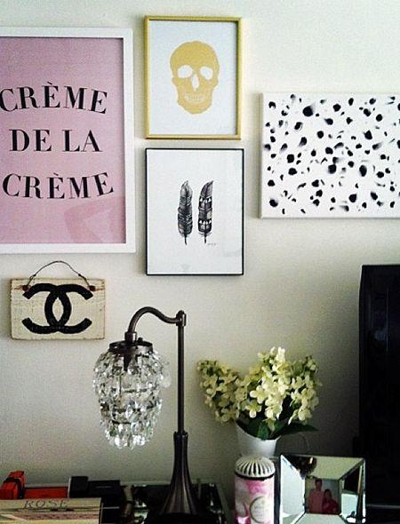 Ein Bild ist schön, viele schöner. Galerie-Wände hübschen den Nachttisch auf und geben dem Schlafzimmer eine persönliche Note.