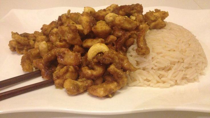 Straccetti di pollo al curry con anacardi e riso basmati