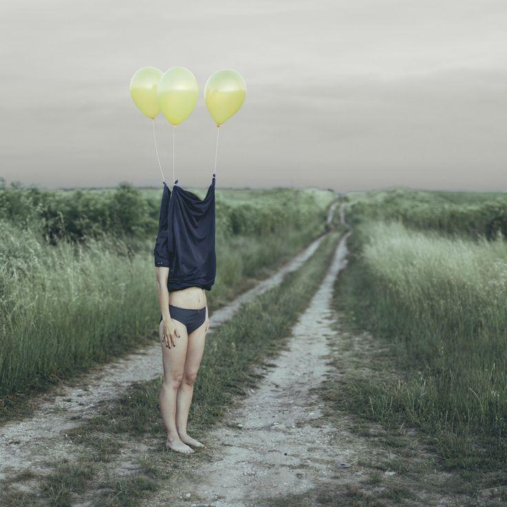 Jairo Alvarez and his Photographic #Illusions. http://illusion.scene360.com/photography/79401/jairo-alvarez/