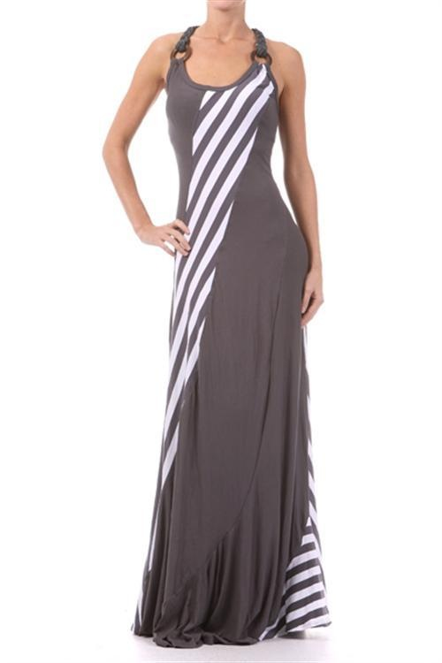 Love Evelyn Lozada's maxi dress! This is just one of Ev's that I've found so far . I am absolutely in love with this woman. She has great style from head to toe!