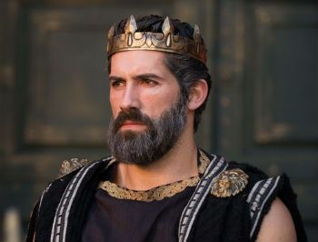 Review: THE LEGEND OF HERCULES, All Bow Down To King Scott Adkins ...