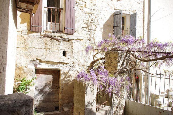 Magnifique maison de village à vendre au coeur de Bonnieux dans le Luberon. #VillageHouse #Bonnieux #ForSale #Provence #AVendre #MaisonVillage