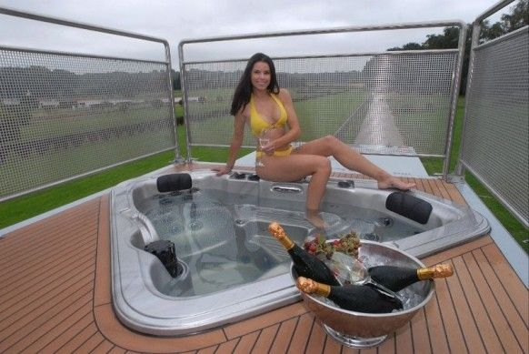 Yet Another Luxury Caravan You must click on the pic for much, much more!