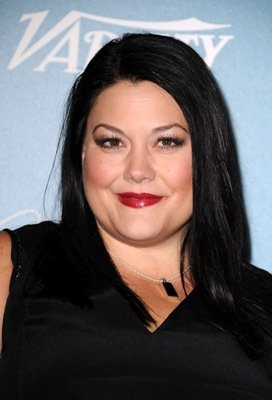 Brooke Elliott/ This lady can really sing!