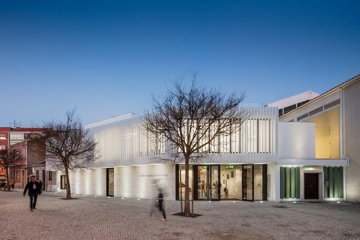 Centro Pastoral de Moscavide  / Plano Humano Arquitectos
