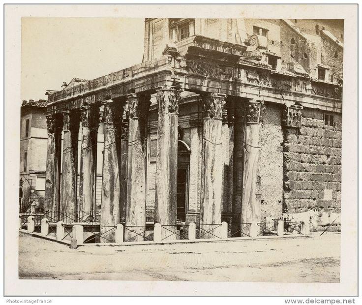Italia, Roma, Tempio di Antonino e Faustina  Vintage albumen print.  Tirage albuminé   12x15   Circa 1870