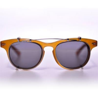 illesteva - Lenox Blonde Clip On. Handmade in Italy.   Women   Pinterest    Blondes, Eyewear and Girly stuff dc2df0b3a1