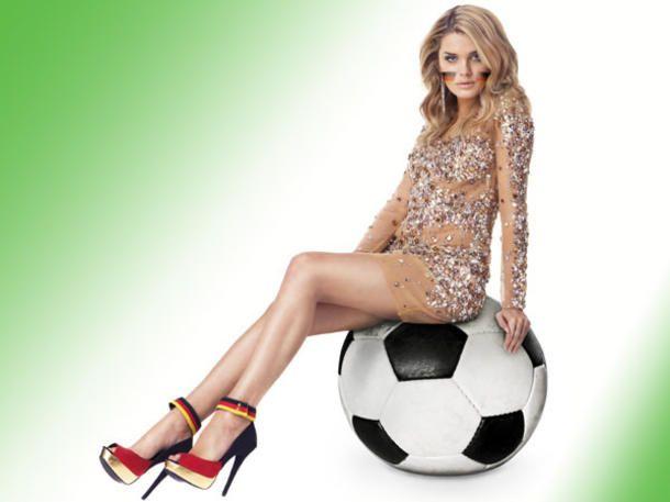 Fußball hat nichts mit Fashion zu tun? Irrtum! Mit diesen Outfit-Ideen für die Fußball-EM 2012 beweisen wir das Gegenteil. Denn: Fußball goes Fashion!