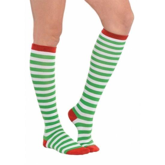 Groene gestreepte kousen. Witte kousen met groene strepen en rode randen. Geschikt voor volwassenen. Maat: 38 tot 41. Materiaal: 100% polyester.