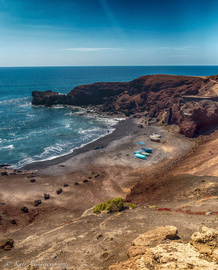 El Golfo. Lanzarote, Canary Islands. theitalianchica.com