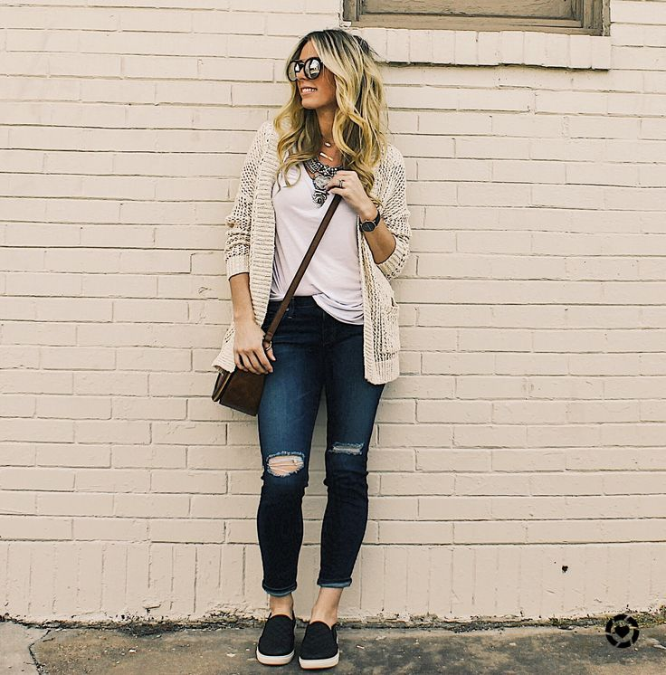 Road Trip Outfit, Vacation Outfit, cardigan outfit, Casual Outfit