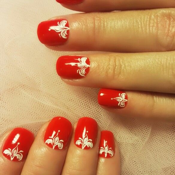 #gelpolish with design on natural #nails
