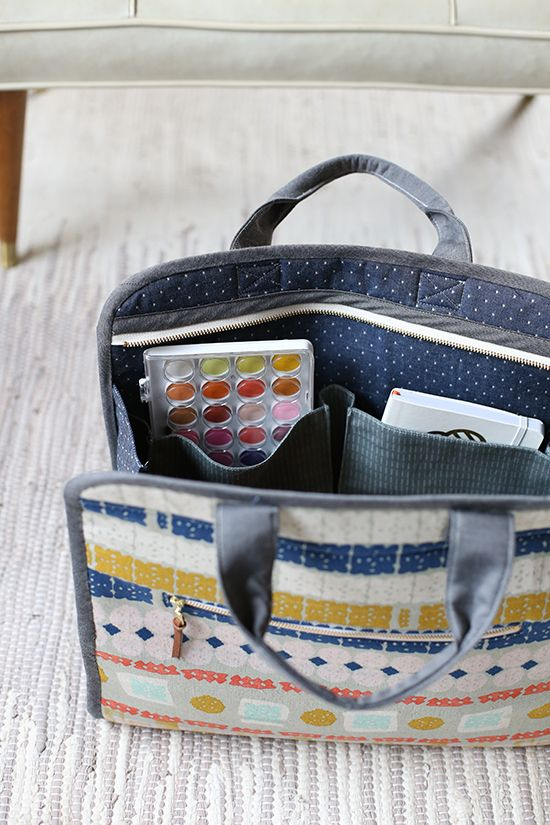 Maker's Tote PDF pattern - Noodlehead, fun tote with lots of great features including 2 size options, a zippered top as well as many other useful pockets.